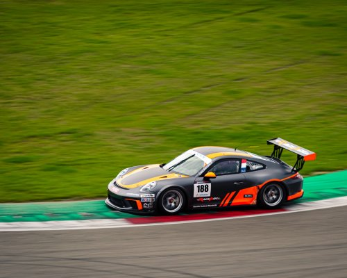 De finale strijd van de Porsche Carrera Cup Benelux is van start